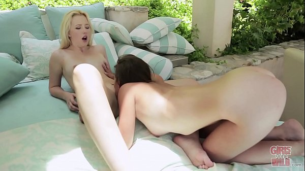 Young girl, Lesbian pussy